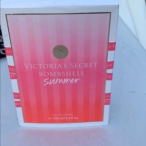 Victoria's Secret never used BOMBSHELL FRAGRANCE